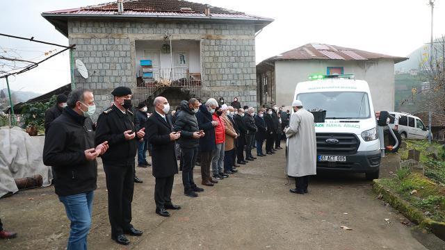 Cumhurbaşkanı Erdoğanın yeğeni Ahmet Erdoğanın cenazesi toprağa verildi