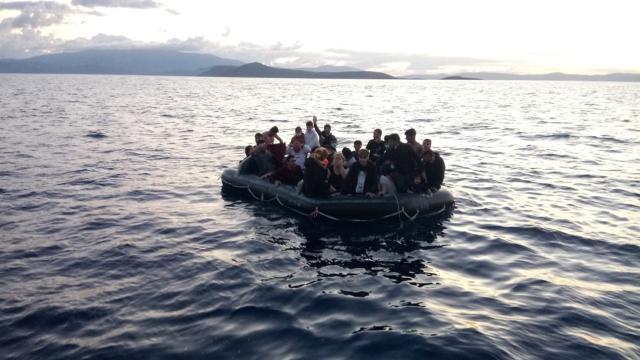 Bir haftada 272 düzensiz göçmen kurtarıldı