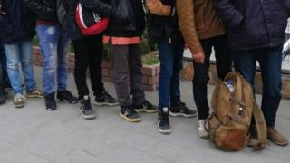 Kocaeli'de 17 düzensiz göçmen yakalandı