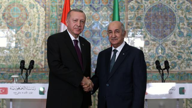 Cumhurbaşkanı Erdoğan ve Cezayirli mevkidaşı telefonda görüştü
