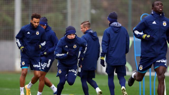 Fenerbahçenin Gaziantep FK maçı kamp kadrosu belli oldu