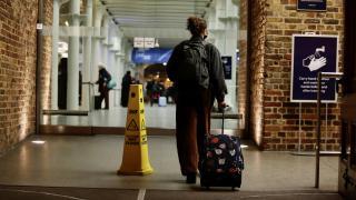 İngiltere'ye gelecek yolculara 10 günlük karantina uygulanacak