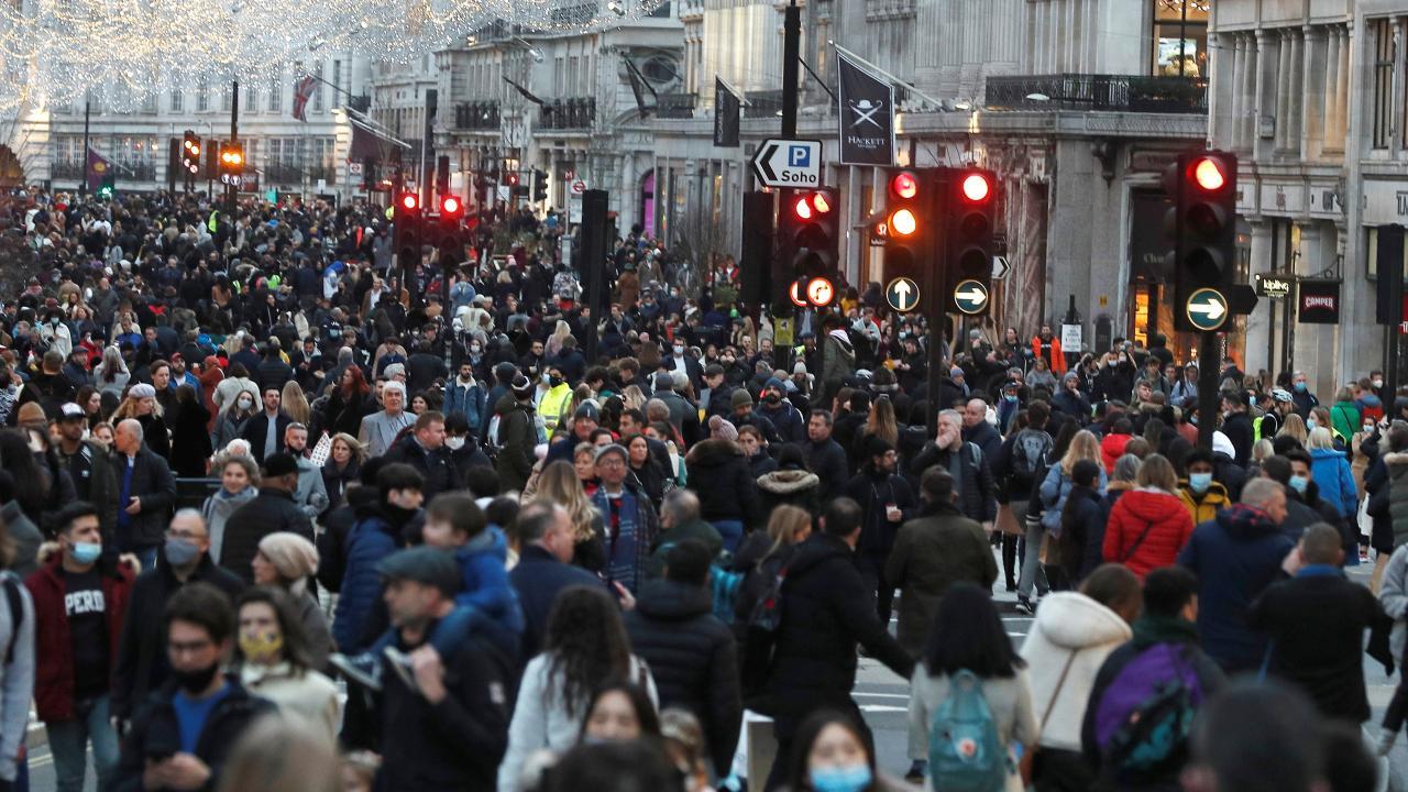 İngiltere'de salgından ölenlerin sayısı 100 bini geçti