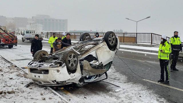 Erzurumda kar yağışı kazaya neden oldu
