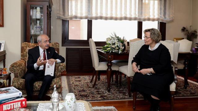Kılıçdaroğlundan, Alparslan Türkeşin eşi Seval Türkeşe ziyaret