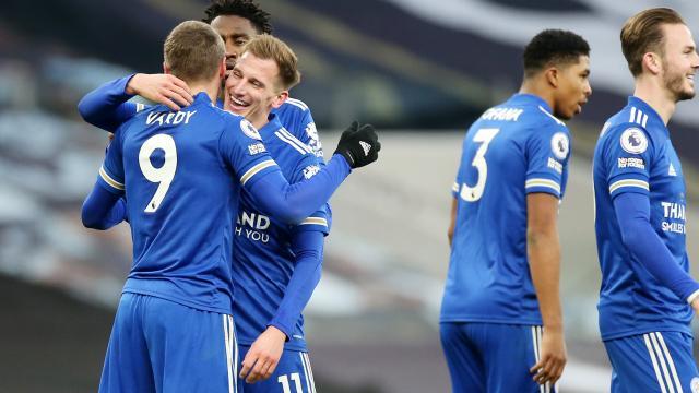 Leicester City Premier Ligde ikinciliğe yükseldi