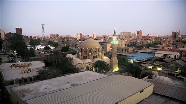 Mısırda kısıtlamaya uymayan 10 binden fazla işletme kapatıldı