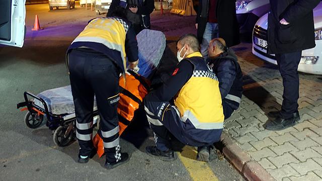 """""""Dur"""" ihtarına uymayan sürücü polise çarptı"""