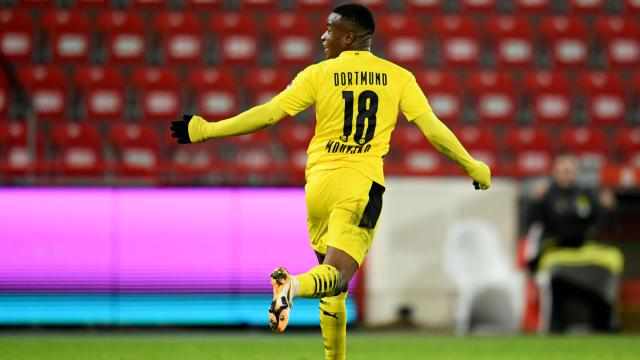Bundesliganın en genç golcüsü Moukoko oldu