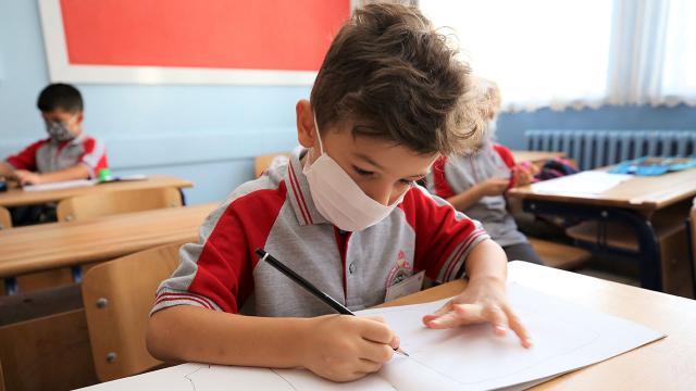 Okullar ne zaman açılacak? 2021 yarıyıl tatili kaç gün sürecek?