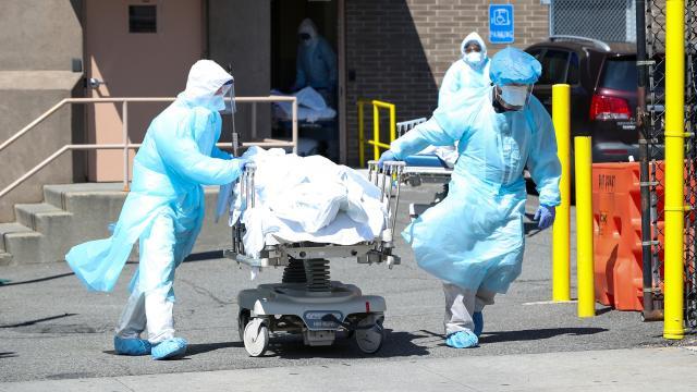 ABDde son 24 saatte 4 bin 282 kişi daha koronavirüsten öldü