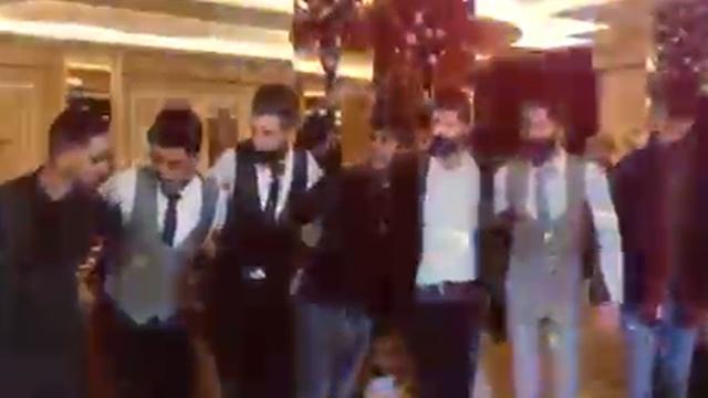 Düğünde halay çeken 15 kişiye 47 bin lira ceza