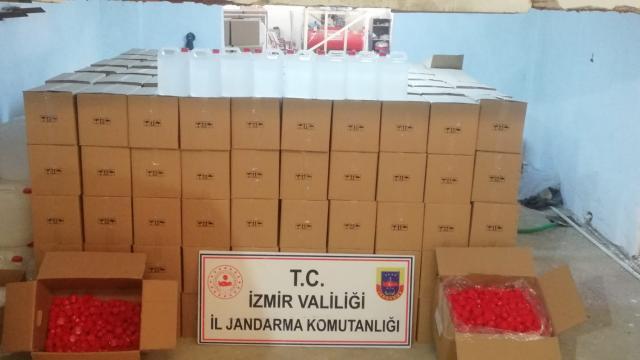 İzmirde 27 bin 350 litre etil alkol ele geçirildi