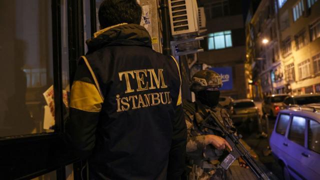 İstanbulda DEAŞ ve El Kaide operasyonu: 7 gözaltı