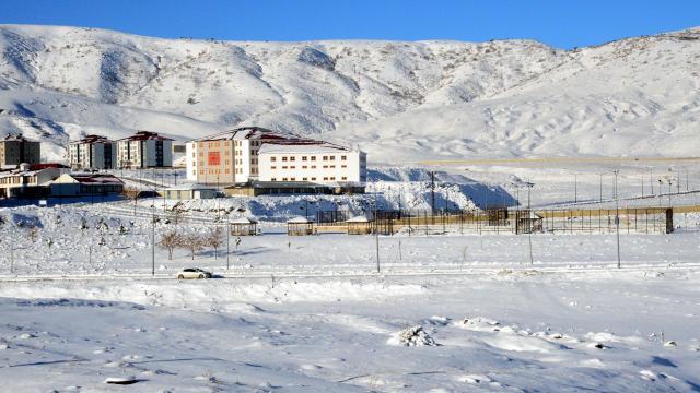 Doğudaki 3 ilde 123 yerleşim birimine ulaşım sağlanamıyor