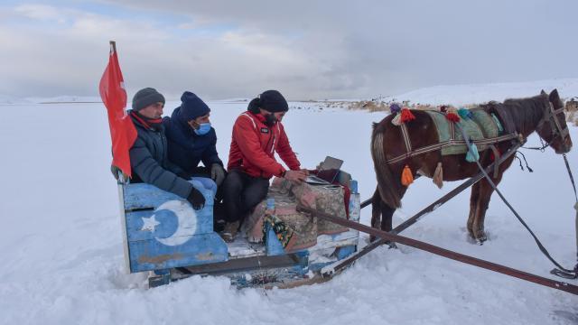 """Karsta atlı kızakçılar """"Yılın Fotoğrafları"""" oylamasına katıldı"""