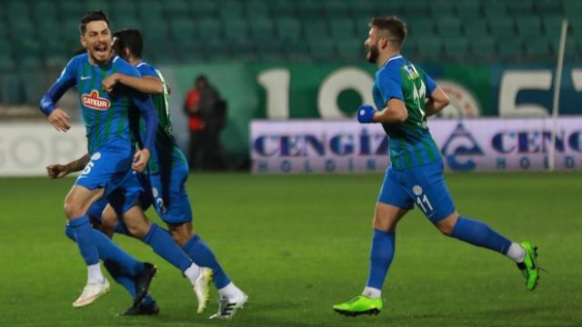 Rizespor 3 puanı 2 golle aldı