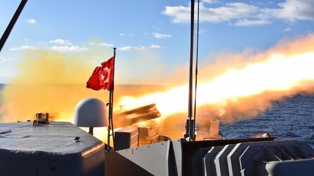 """Ege Denizinde """"Denizaltı Savunma Roket Atışı"""" yapıldı"""