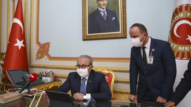 """TBMM Başkanı Şentop, Anadolu Ajansının """"Yılın Fotoğrafları"""" oylamasına katıldı"""