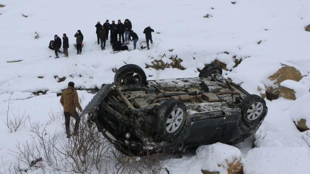 Kontrolden çıkan otomobil şarampole devrildi: 1 ölü