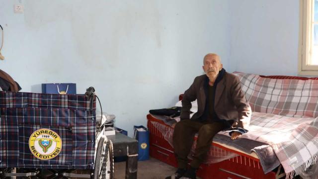 Adanada kimsesiz yaşlı adama belediye sahip çıktı