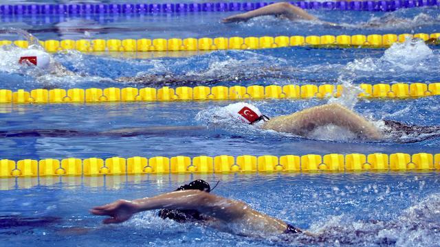 Milli yüzücüler yeni rekorlara imza attı