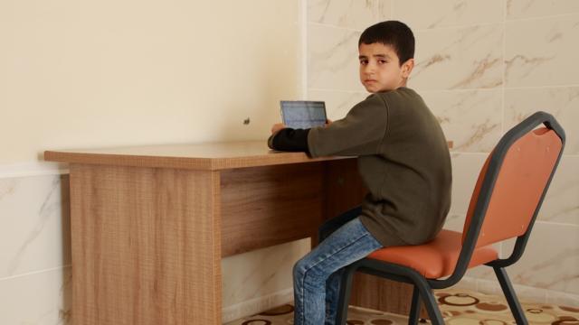 """""""Harranlı Hasan Hüseyin"""" çalışma masası ve sandalyesine kavuştu"""