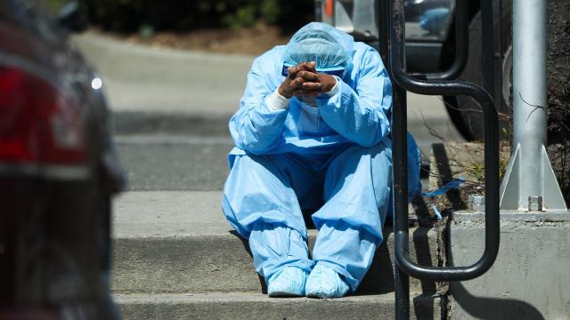 ABDde 2 bin 169 kişi daha koronavirüsten öldü