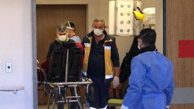 Adanada eşi tarafından bıçaklanan kadın yaralandı