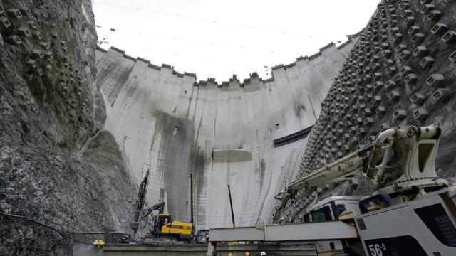 Türkiyenin en yüksek barajının gövde yüksekliği 265 metreye ulaştı