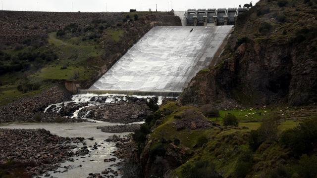 İzmirdeki barajlarda doluluk yüzde 50lerin altında