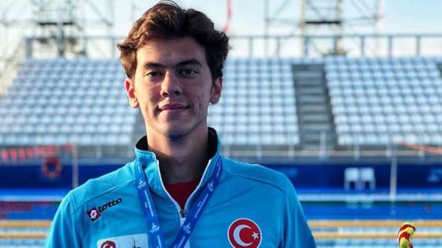 Milli yüzücü Berkay Ömer Öğretir olimpiyat A barajını geçti