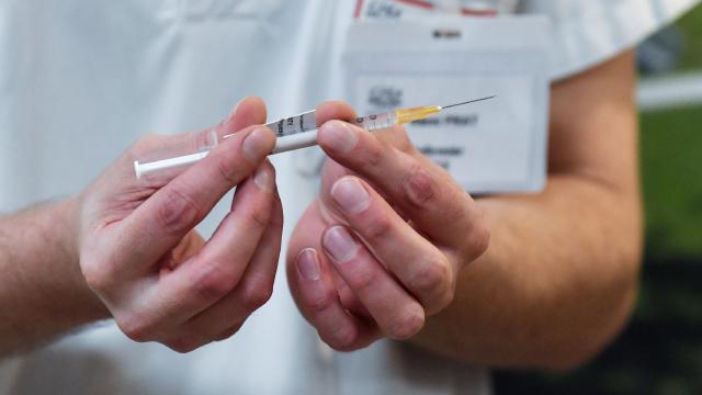 Çocuklar için BioNTech aşısının incelemesine başlandı