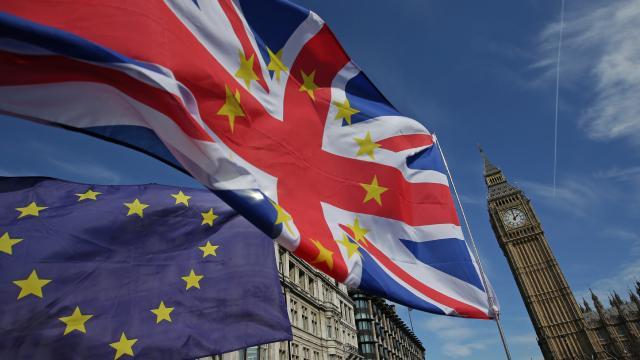AB-İngiltere ticaret anlaşmasına Avrupa Parlamentosundan onay