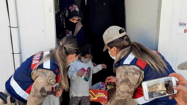 Elazığda jandarmadan depremzede çocuklara psikososyal destek