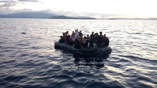 Akdenizdeki tekne kazasında 100 düzensiz göçmen hayatını kaybetti