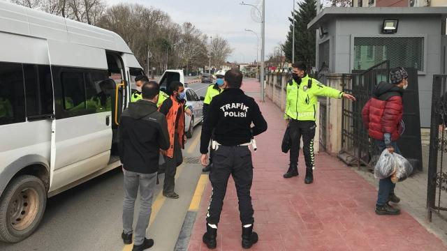 Sakaryada 23 düzensiz göçmen yakalandı