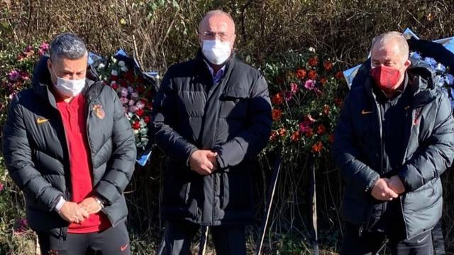 Galatasaraydan Özkan Sümerin mezarına ziyaret