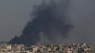 İsrail'in Gazze'ye saldırısında bir ev hasar aldı