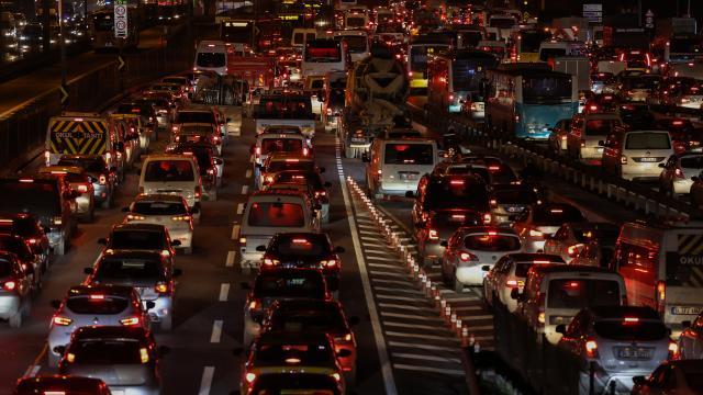 İstanbulda trafik yoğunluğu... 25 Aralık 2020 İstanbul trafik durumu...