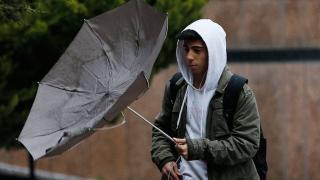 Meteoroloji'den 9 il için kuvvetli rüzgar ve fırtına uyarısı