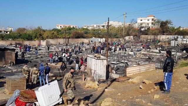 Lübnanda mülteci kampının yakılmasıyla ilgili çok sayıda kişi gözaltına alındı