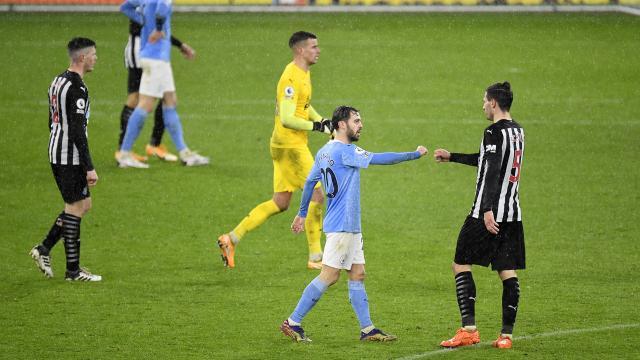 Manchester City, Newscaste Unitedı 2-0 mağlup etti