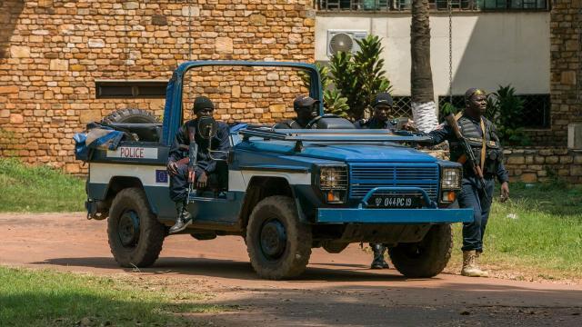 Orta Afrikalı 117 asker komşu Kameruna sığındı