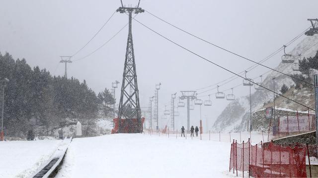 Palandökende kar kalınlığı 59 santimetreye ulaştı