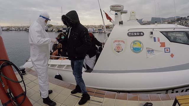 Yunanistanın ölüme terk ettiği 55 sığınmacı kurtarıldı