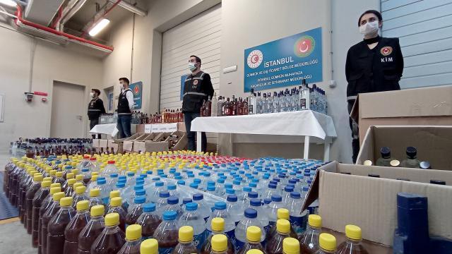 İstanbulda 1635 litre sahte içki ele geçirildi