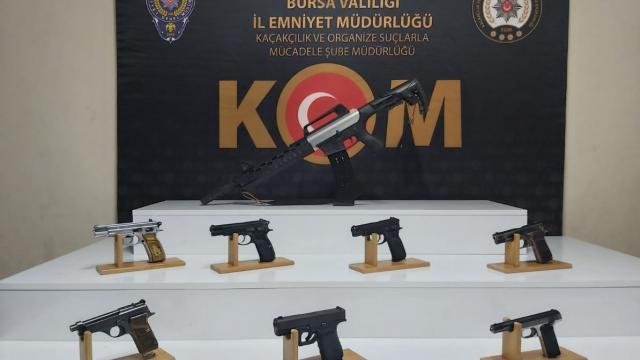 Bursa ve Ankarada suç örgütüne yönelik operasyonda yakalanan 13 şüpheli tutuklandı
