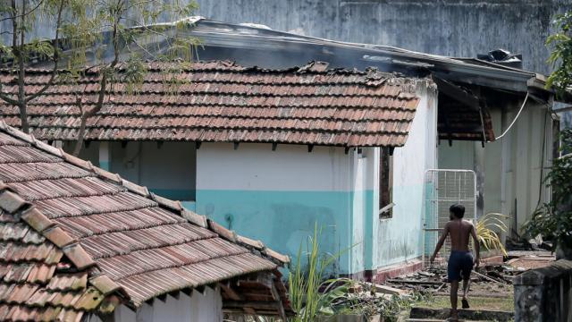 Uzmanlara göre Sri Lanka Müslüman cenazelerini zorla yakarak insan haklarını ihlal ediyor