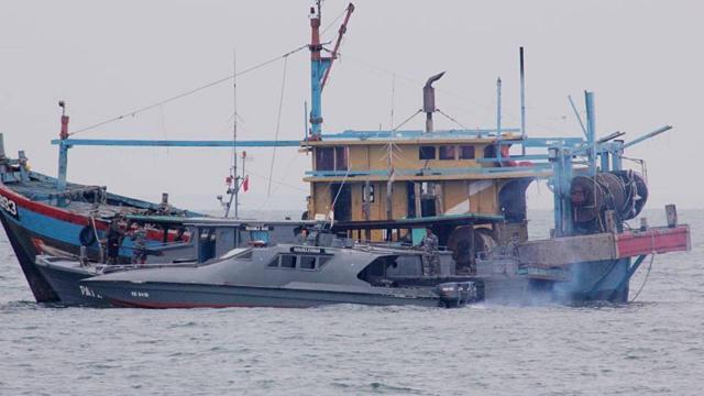 Rus balıkçı gemisi, Barents Denizinde battı: 16 kişi kayıp